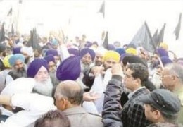 Sikh bodies protest in Sirsa; Demand ban on controversial MSG movie