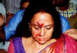 BJP Leader & Bollywood actress Hema Malini suffers injuries in car accident, one ‪Child‬ killed