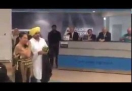 Punjabi Actor/Comedian/Politician Bhagwant Mann Welcomed With Haka Dance at Auckland