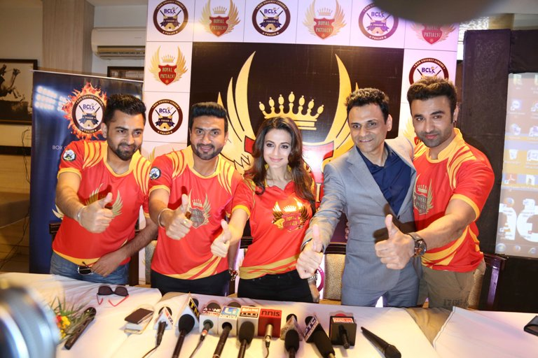 Ameesha Patel To Own Team Royal Patialvi For Box Cricket