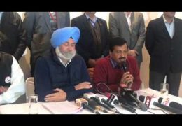 AAP leader Arvind Kejriwal addressing media about Shri Guru Granth Sahib's 'be-adbi' issue