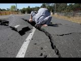 <b>Breaking News: Earthquake...</b>